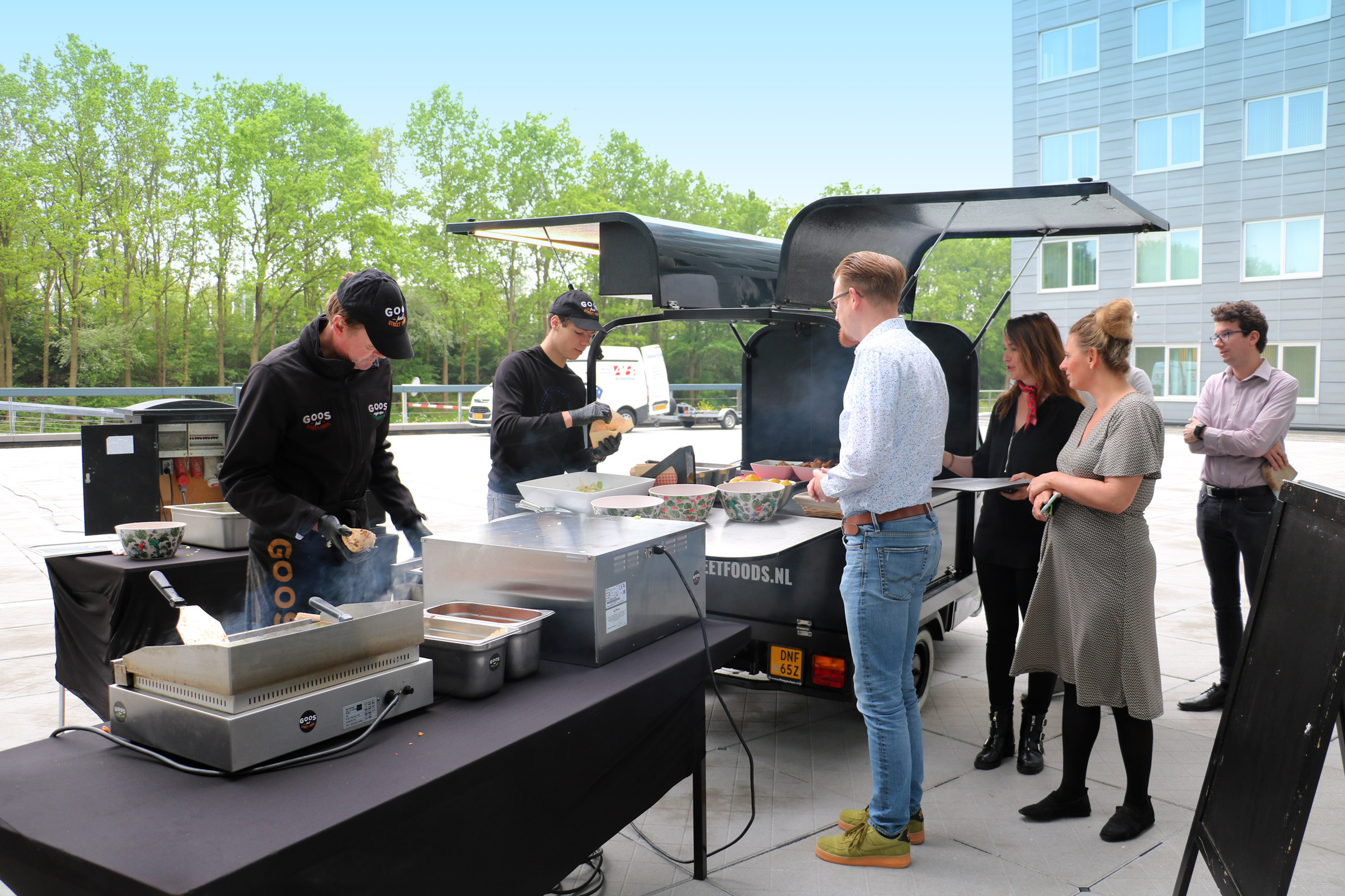 Opening Adam Smith Building - Foodtruck - We Canteen